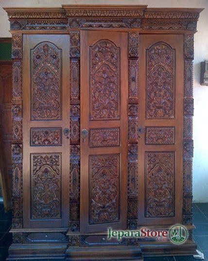 Lemari Gebyok lemari gebyok 3 pintu jeparastore