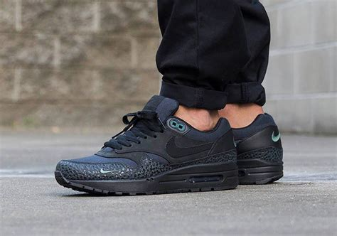 Nike Thea Grau Schwarz 2000 by Air Max One Black Rebelscots De