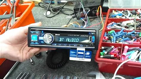 Alpine Cde 140e Like New alpine cde 133bt power up with a2dp bluetooth and apple