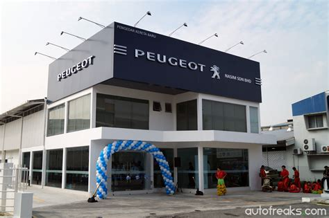peugeot showroom nasim launches 16th peugeot outlet in the klang valley