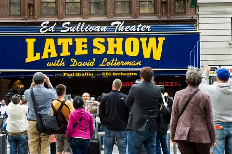 A Frenzy On Late Show Tomorrow Wednesday by David Letterman Says Goodbye After 33 Years On Late Show