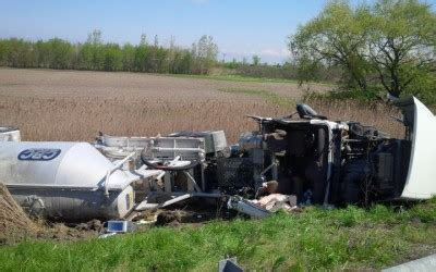blackburnnews.com update: wb 401 reopens after tractor