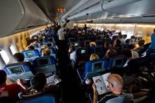 Description british airways 747 400 world traveller cabin jpg