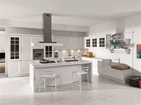 cuisine blanche avec ilot central am 233 nager une cuisine design avec ilot central