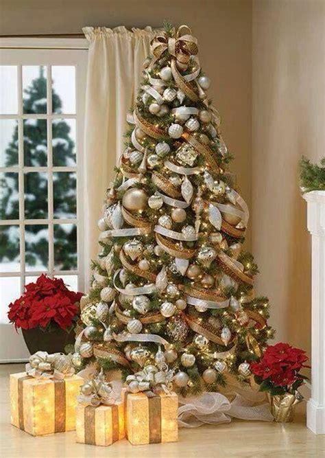 formas de decorar tu arbol de navidad  liston