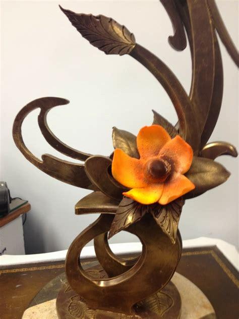 Beau Decoration Pour Paques #8: sculpture-en-chocolat-fleur-en-fondant-orange.jpg