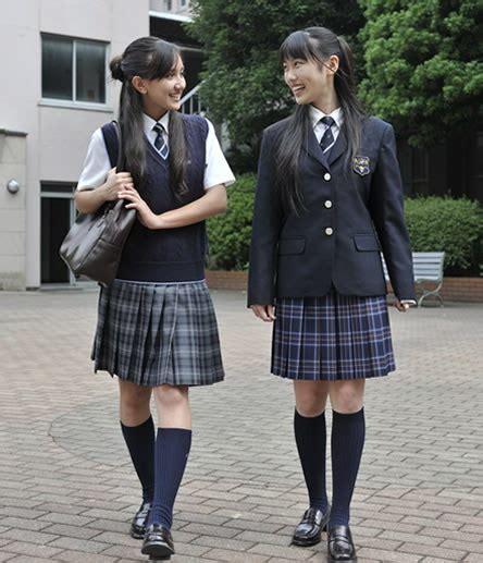 preteenl japanese japan school uniform iconic skirts the history of japanese school uniforms