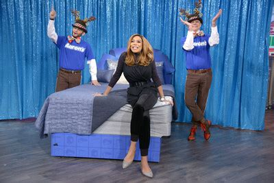 Wendy Williams Show Audience Giveaways - aaron s and the wendy williams show surprise the big blue bow home makeover
