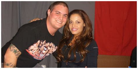trish stratus fan mail in pictures another fan meets trish stratus on autograph