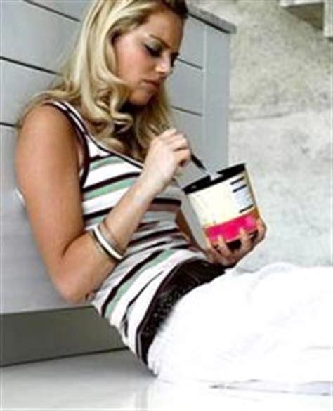 ways to stop comfort eating emotional eating support group debbie oberlander lcsw