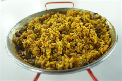 cuisiner une paella cuisiner la paella traditionnelle en 9 minutes