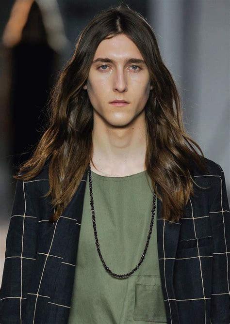 Modele De Coupe De Cheveux Homme by 1001 Id 233 Es Cheveux Longs Homme Quand La Taille Compte