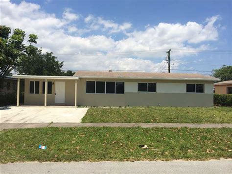 Homes For Sale In Miami Gardens by 1511 Nw 179 St Miami Gardens Fl 33169