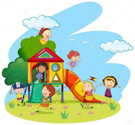 imagenes de niños jugando en un parque ni 241 os jugando en el tobog 225 n en el parque archivo