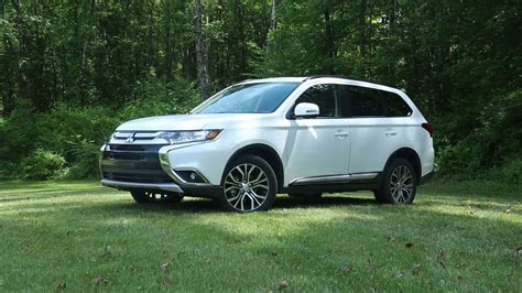 2016 white mitsubishi outlander 2016 mitsubishi outlander review consumer reports