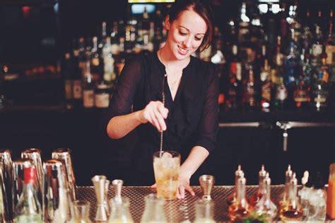 female bartenders      la bartender