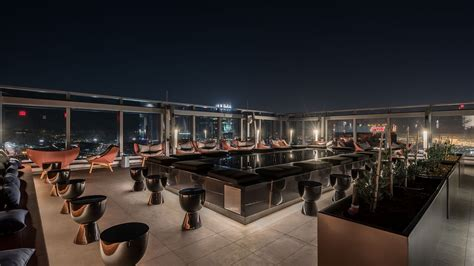 Roof Top Bar La by Downtown La S Stunning Spire 73 Is America S Tallest Open