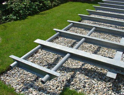 terrasse unterkonstruktion unterkonstruktion terrasse metall w 228 rmed 228 mmung der w 228 nde