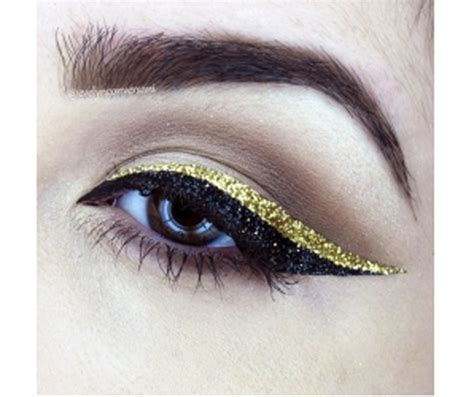 Eyeliner Stickers Huda eyeliner stickers are here to solve your winged liner
