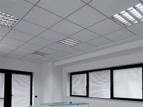 pannelli in fibra minerale per controsoffitti pannelli per controsoffitto resistente all umidit 224 in