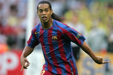 ronaldinho returns  barcelona   appointed