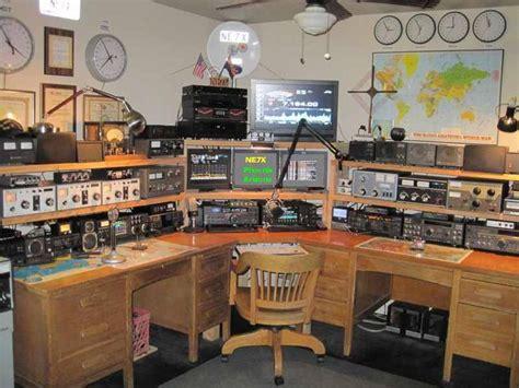 Ham Radio Desk Plans by Survive And Thrive S Emergency Communication Plan Ham