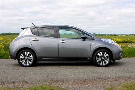 nissan leaf lease details nissan leaf hatchback 2011 photos parkers