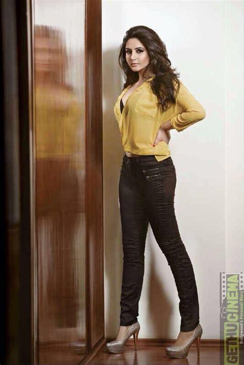 movie actress ragini actress ragini dwivedi latest gallery gethu cinema