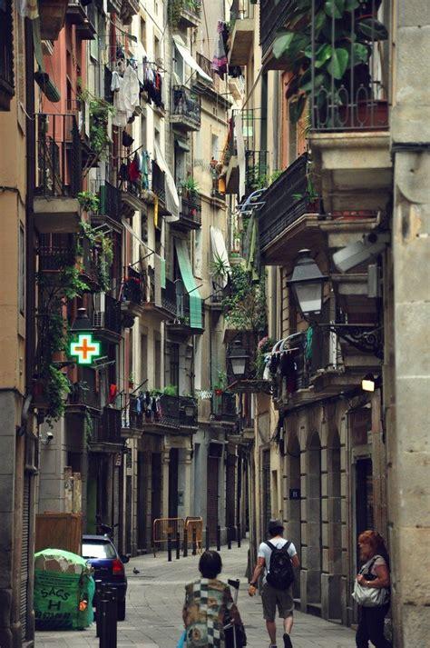 barcelona gothic quarter the gothic quarter barcelona travel western europe