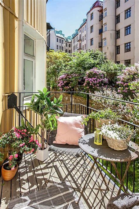 arredare terrazzo piccolo come arredare un balcone piccolo designbuzz it
