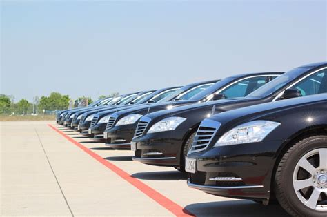 find limousine service easy methods to find a limousine service city