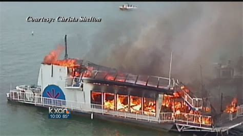 party boat on lake travis party boat goes up in flames on lake travis youtube