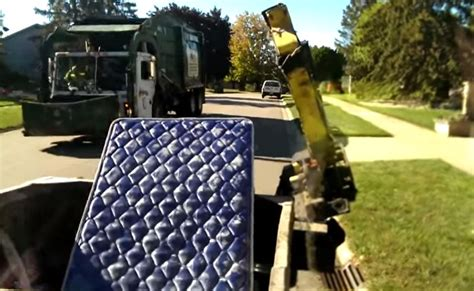 how to up mattress with garbage truck cool