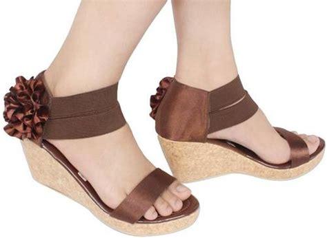 Dan Gambar Sepatu Ando fashion model sepatu wanita terbaru