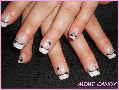 Deco Ongles Noir Et Doré dessin sur faux ongles 20170825095509 arcizo