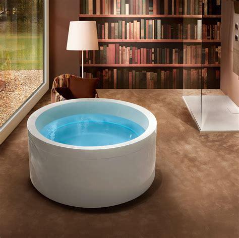 vasca idromassaggio tonda vasche idromassaggio bollicine di benessere cose di casa