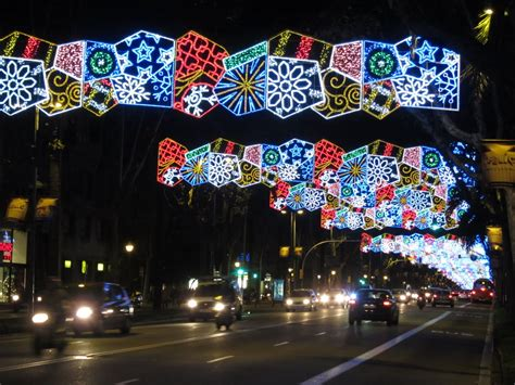 where is darren now christmas lights in barcelona