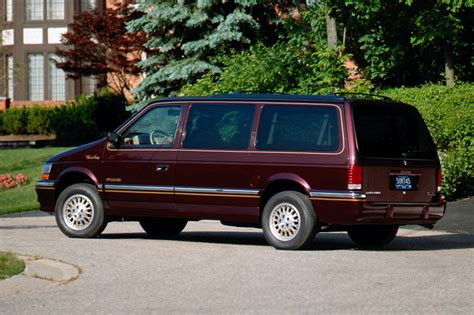 Chrysler Town And Country Rebates by 1991 95 Chrysler Town Country Consumer Guide Auto