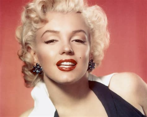 marilyn monroe   face    max factor campaign