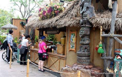 Tiki Hut Disneyland review tiki juice bar and dole whip in disneyland