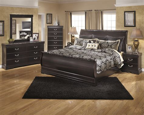 Esmeralda Sleigh Bedroom Set | beds to go houston bedroom sets beds to go super store