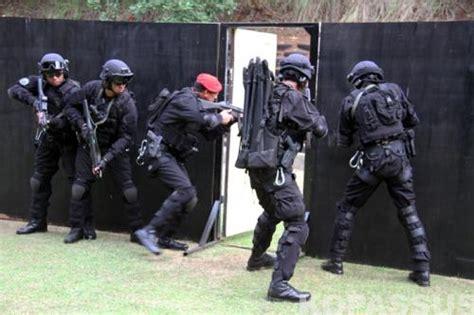 Kaos Sat Gultor 81 Kopassus danjen kopassus terima brevet anti teror kopassus mil id