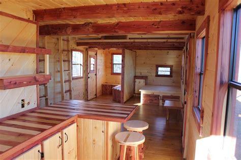 trophy amish cabins llc    xtreme lodge  sf