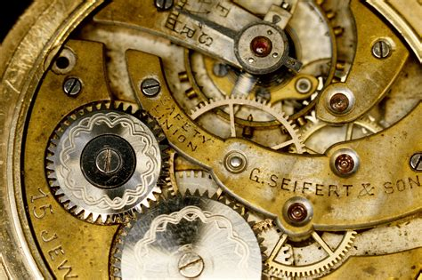 mechanical watch wikipedia file innards of a g seifert mechanical gold watch b jpg