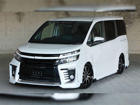 Car Zeus Gfs trd sportivo ヴォクシー hybrid v hybrid x v x モタガレ