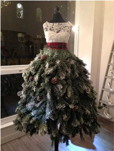 christmas mannequins on pinterest christmas tree dress