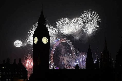 new year 2017 uk happy new year britain welcomes 2017 with spectacular