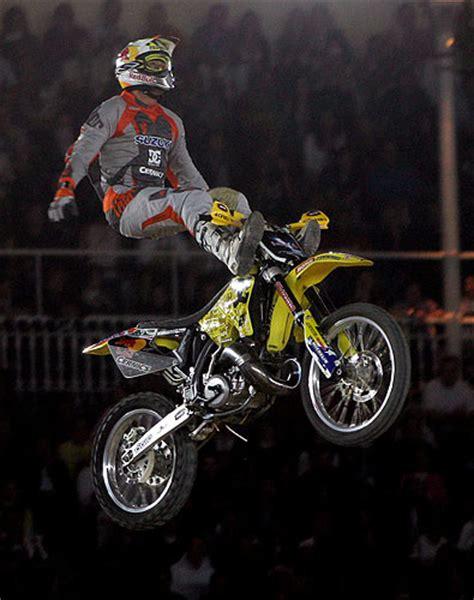 travis pastrana freestyle motocross todos los deportes saltos en moto cross y paradas