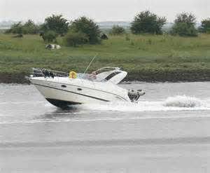 the boat on the river speed boat on the river witham 169 mat fascione geograph