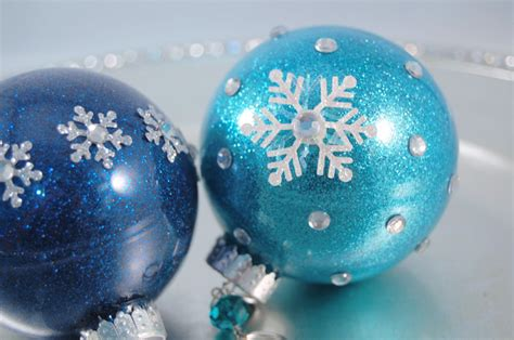 how to make glitter christmas ornaments diy the